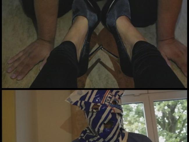 Video Thumbnail * * LECK DIE HEEL'S DU SKLAVEN FOTZE * *