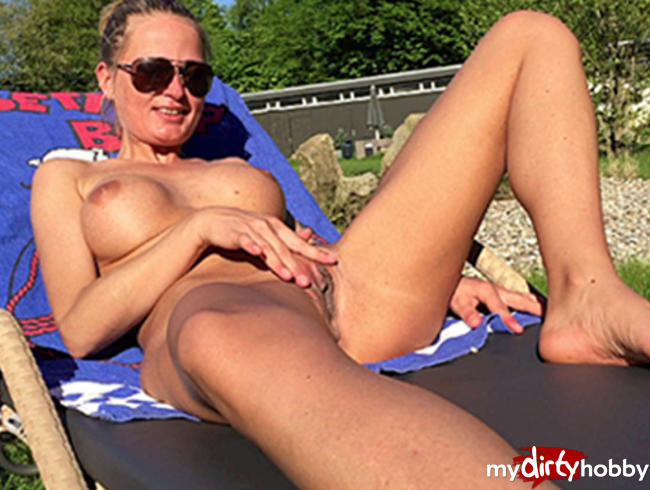 Video Thumbnail Splitternackt im Freibad!!