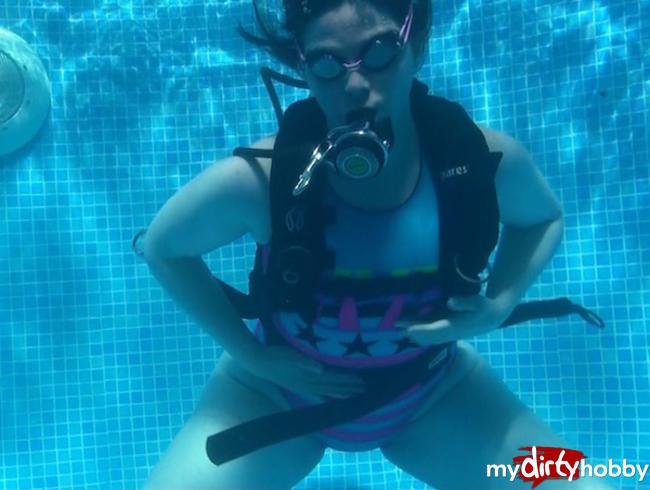 Video Thumbnail Sexy Diving Scuba Vintage Swimsuit
