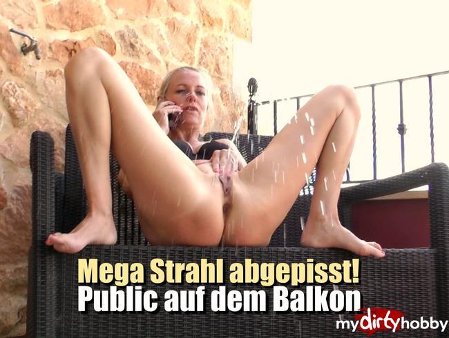 Video Thumbnail Mega Strahl abgepisst! Public auf dem Balkon!