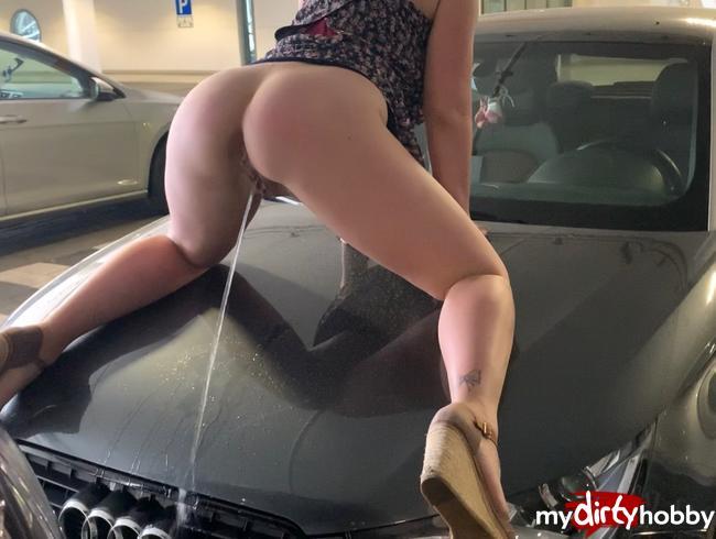 devil-sophie - Public Autowaschen mit Sophie :P draufsteigen und lospisssen - die sind aber alle schmutzig Parkhaus