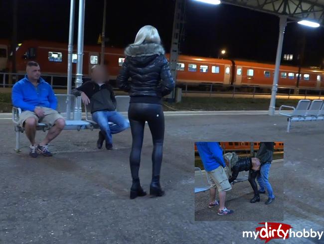 Video Thumbnail Heftiger Public Dreier mit Double Facial direkt auf dem Bahnhof!