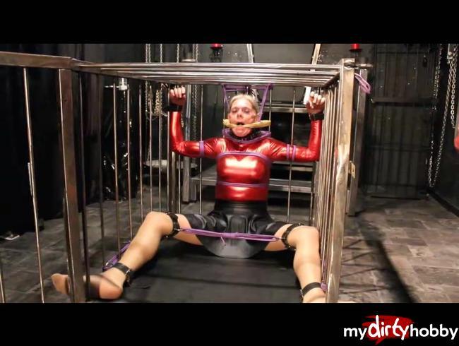 Video Thumbnail Fesselung im Käfig
