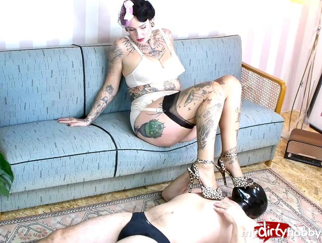 Video Thumbnail Tattoos, Nylons, Female Domination - The 50s Rockabilly World of Lady Vampira 1/2