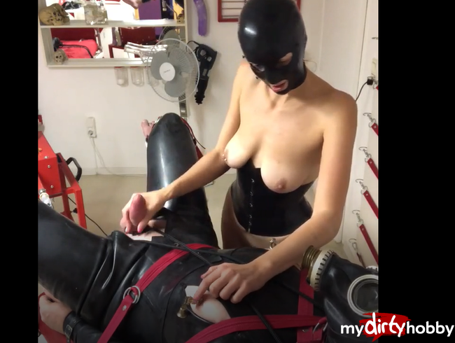 Video Thumbnail Lea´s ausgiebigen Blow Job am gefesselten Latexobjekt