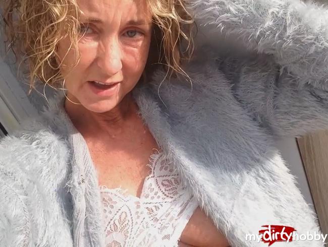 Video Thumbnail MEIN ERSTES PINKEL VIDEO! Ich pisse auf meinem Balkon