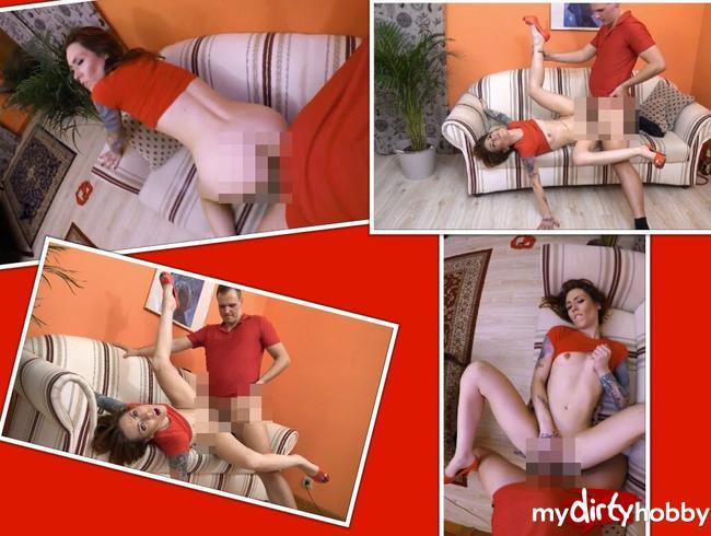 Video Thumbnail Teil 2. Sexy geiles Girl ao auf dem Sofa gefickt.