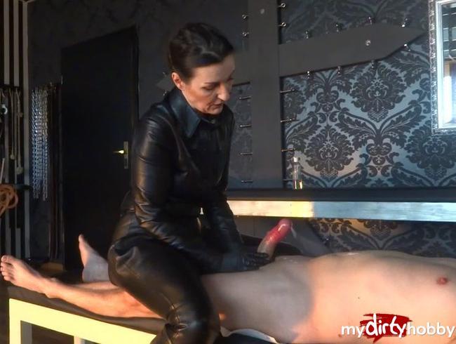 Video Thumbnail Der Superspritzer! Extrem geiler Handjob mit ruiniertem Orgasmus