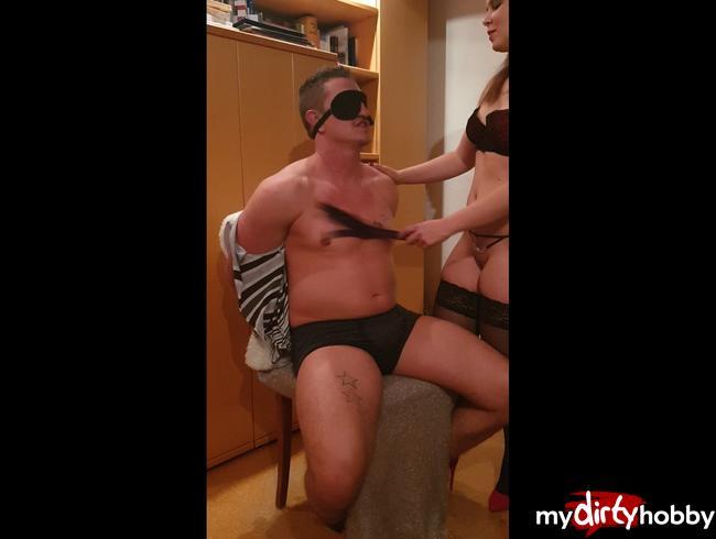 Video Thumbnail Blind, gefesselt, geknebelt und ausgepeitscht - Teil 1