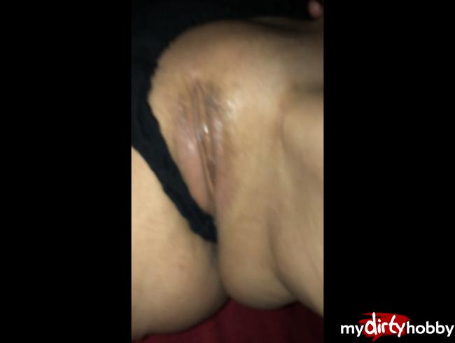 Video Thumbnail Erst in die Fotze und dann in den Arsch und abgespri..