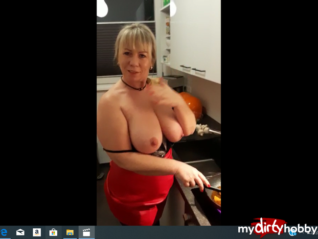 Video Thumbnail SEXBOMBE BEIM KOCHEN