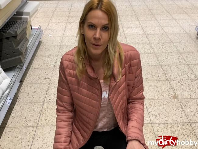 Video Thumbnail Verrückter, ferngesteuerter Orgasmuswahnsinn in aller Öffentlichkeit
