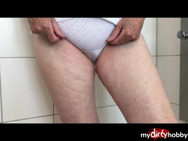 Video Thumbnail schön durchs höschen gepullert.....