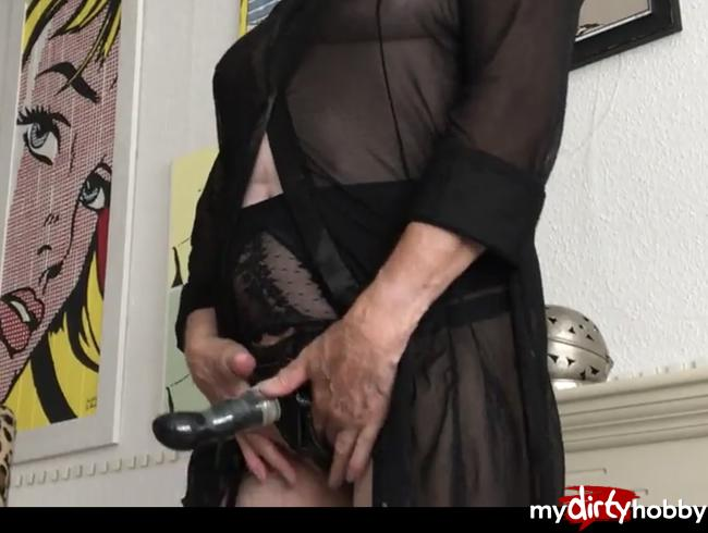 Video Thumbnail strap on in strapsen und heels