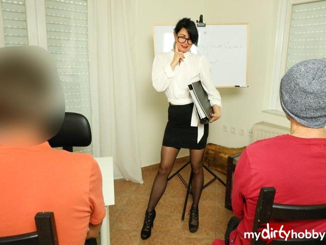 Video Thumbnail Skandal !! Professorin zum Arschfick verführt!