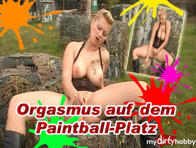 Video Thumbnail Geiler Orgasmus auf dem Paintball-Platz
