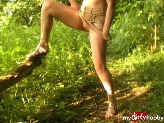 Video Thumbnail Outdoor Pipi
