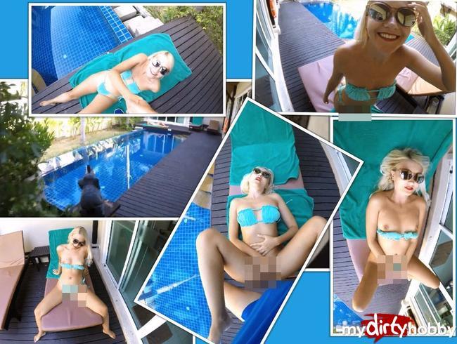 Video Thumbnail Reiches Teenie-Girl in der Villa ihrer Eltern am Pool gefickt. Hat sturmfrei. Extrem public.
