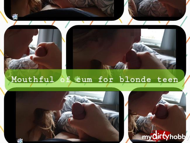 Video Thumbnail Heißes Teeny bläst und kriegt einen Cumshot in den Mund