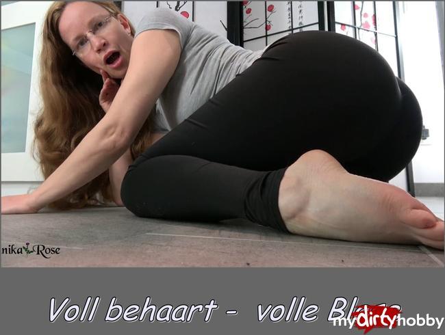 Video Thumbnail Voll behaart - Volle Blase