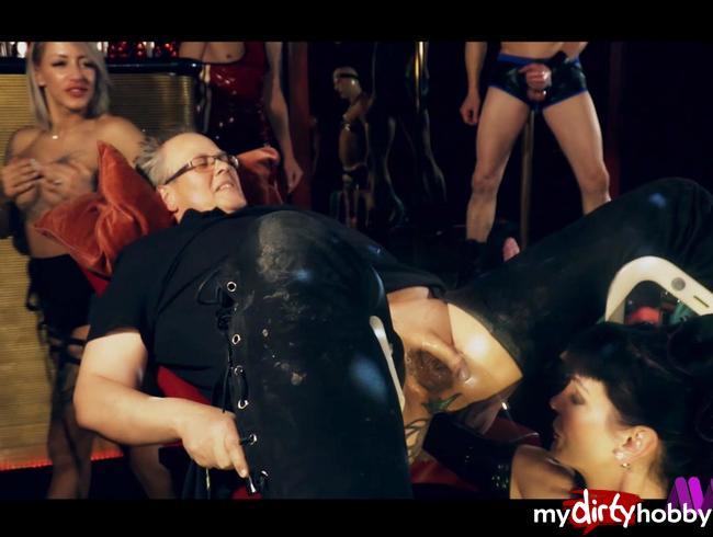Video Thumbnail Domina Carmen Rivera und Pornostar FitxXxSandy bestrafen Sklaven