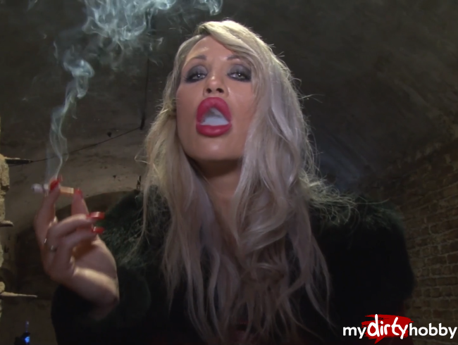 Video Thumbnail Smoking Fetish Goddess