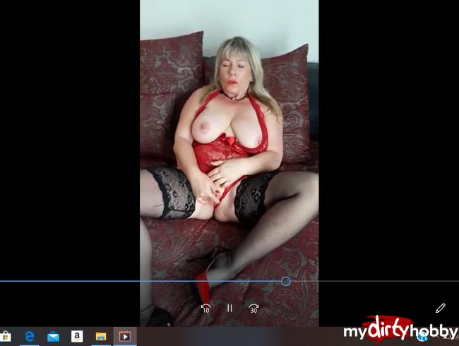 Video Thumbnail REIFE FRAU BESORGT ES SICH