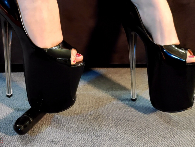 Video Thumbnail Cock Crushing Heels