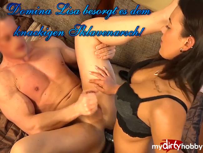 Video Thumbnail Domina Lisa besorgt es dem knackigen Sklavenarsch!