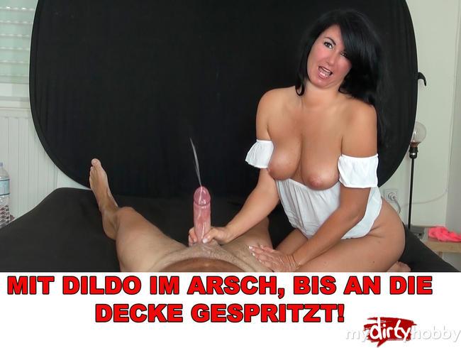 Video Thumbnail MIT DILDO IM ARSCH BIS AN DIE DECKE GESPRITZT!