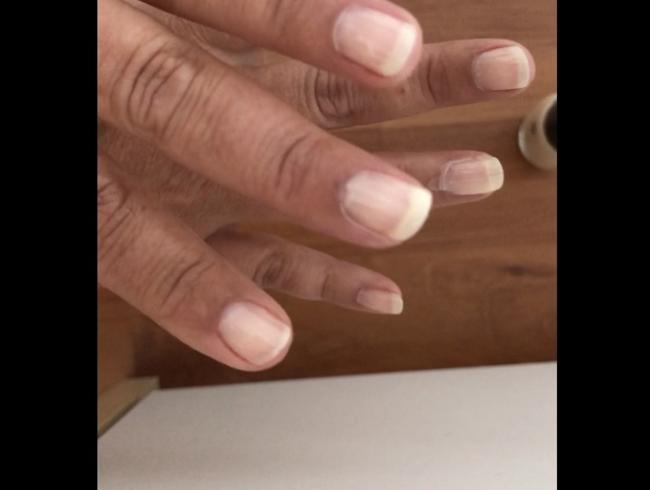 Video Thumbnail Fingernägel lackieren