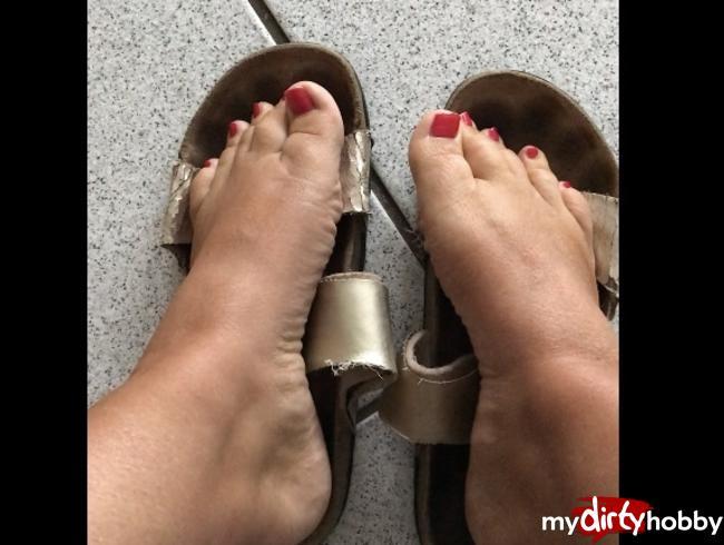 Video Thumbnail Wichs auf meine Füße in  alten Schuhe