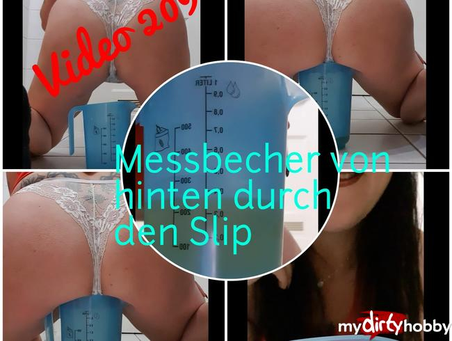Video Thumbnail Von hinten durch den Slip in den Messbecher