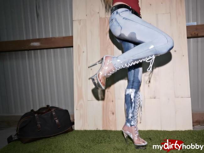 Video Thumbnail Durchsichtige neue Stiefel eingepisst :)