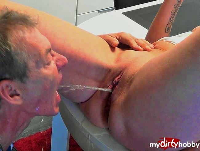 Video Thumbnail Hilfst du mir beim squirten ?