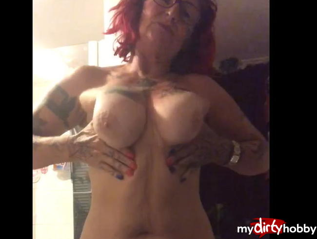 Video Thumbnail Zeige mich Nackt