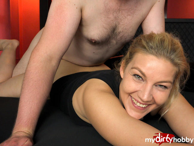Video Thumbnail Heftiger Cumshot im Fremdgehbett | Dirty Talk