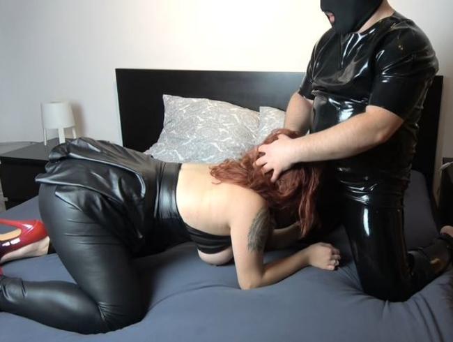 Video Thumbnail Heißes Treffen in Fetischkleidung