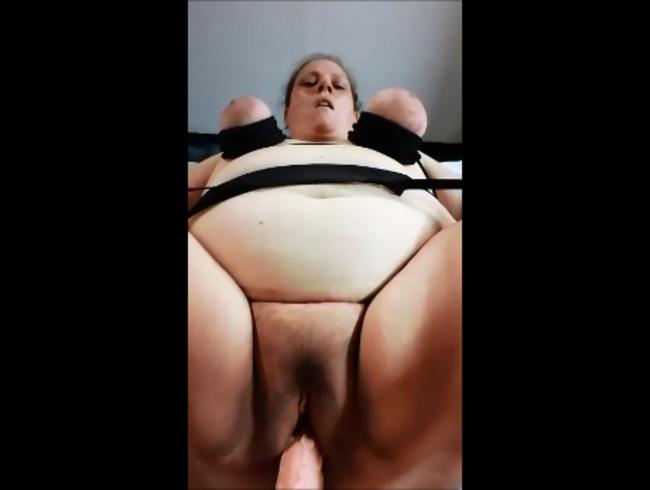 Video Thumbnail Ich werde mit einem Monterdildo gefickt