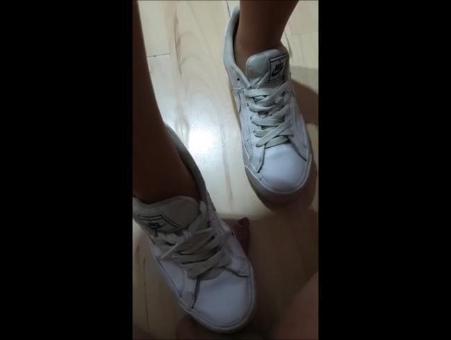 Video Thumbnail Lady_Rosalie Zerstört deine Eier