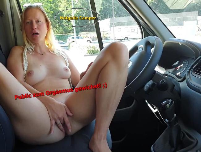 Video Thumbnail Hippie Girl wichst sich public zum Orgasmus
