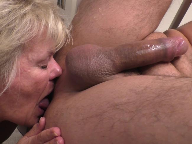 Video Thumbnail Deepthroat & Rimjob von einer Milf