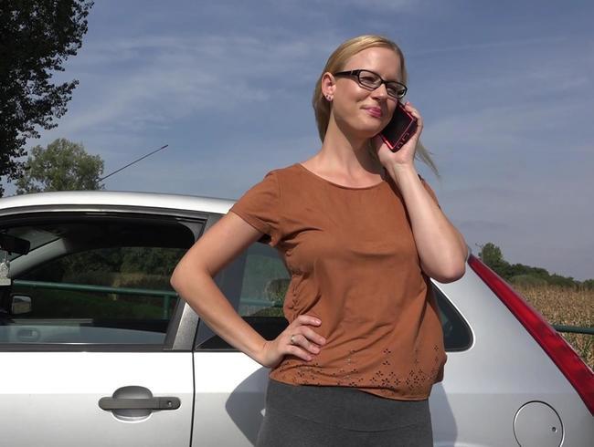 Video Thumbnail Meine Stiefschwester während ihrer Autopanne gefickt