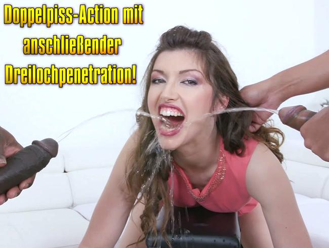 Video Thumbnail Doppelpiss-Action mit anschließender Dreilochpenetration!