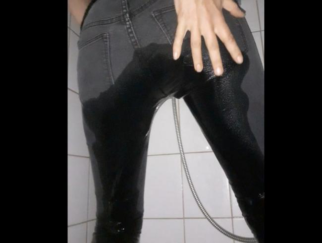 Video Thumbnail User Wunsch: knallenge Jeans vollgepisst
