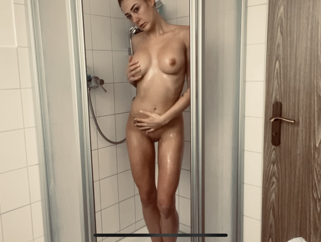 Video Thumbnail Genieße den Anblick meines nassen Körpers