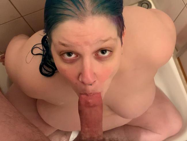 Video Thumbnail Blowjob in der Dusche! Undgeschminkt und ungestellt