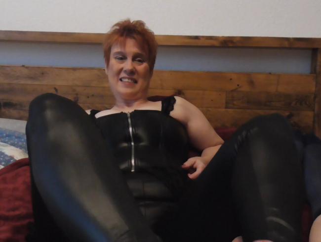 Video Thumbnail User-Wunsch!!!!!Geiler Footjob in Wetlook, Nylons vollgespritzt!!!!!!