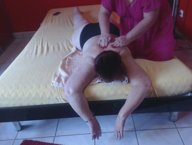Video Thumbnail Lesbische Rückenmassage (Video)