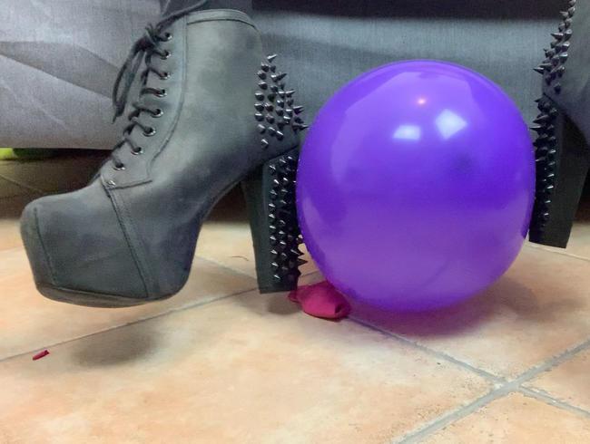 Video Thumbnail Looner Fetisch! Meine Heels bringen Ballons zum Platzen